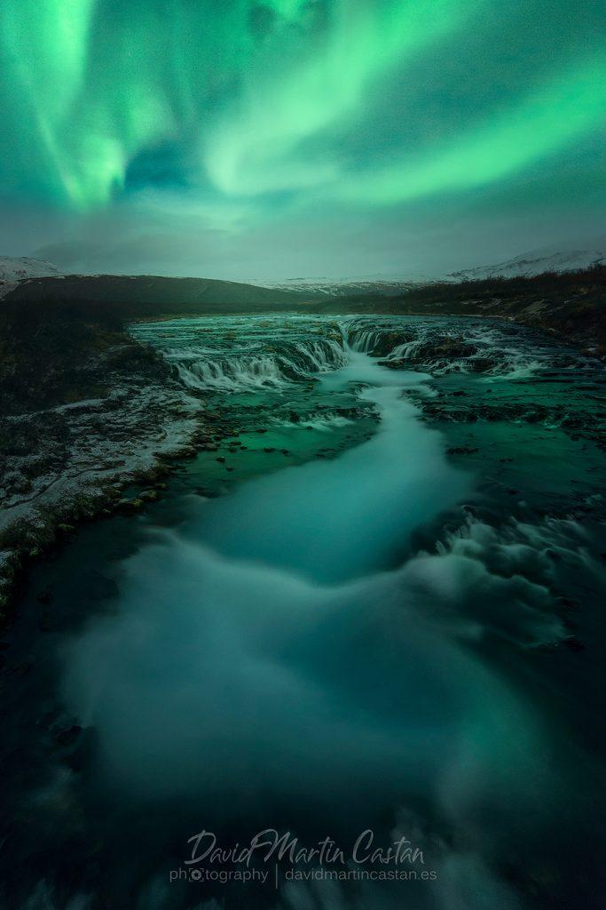 Bruarfoss y Aurora Boreal